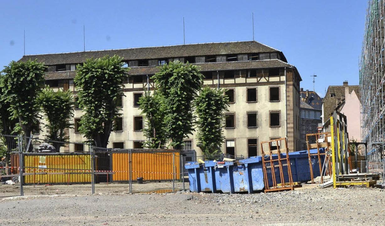 Einst Wäscherei, später Archivgebäude ...htete Gebäude wurde jetzt abgerissen.   | Foto: bri