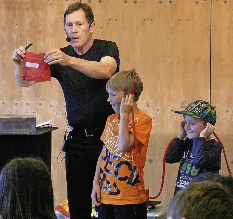 &#8222;Do Staunsch&#8220; hieß es am D...cks  von Kindern helfen lässt. </Text>  | Foto: Ute Aschendorf