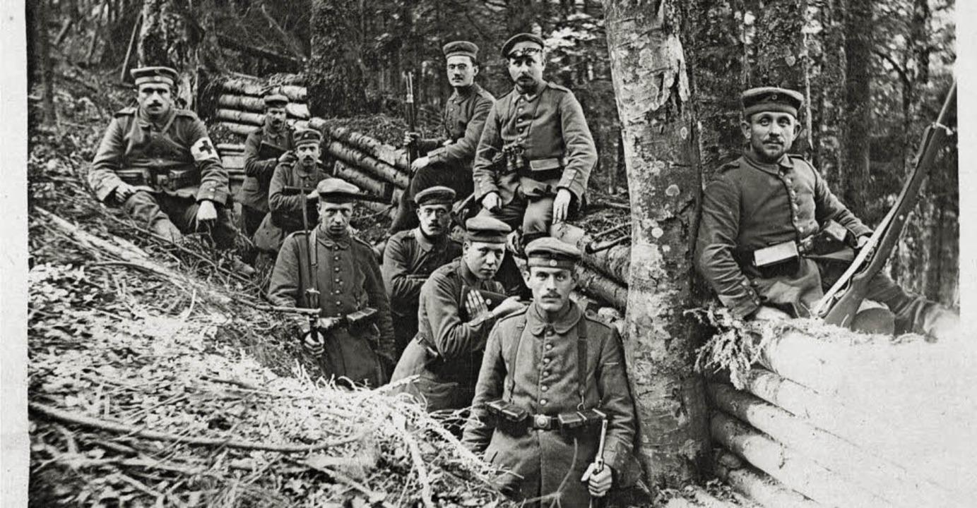 Stellung in den Vogesen 1915: Friedric... (obere Reihe,  links) mit Kameraden.     Foto: Privat