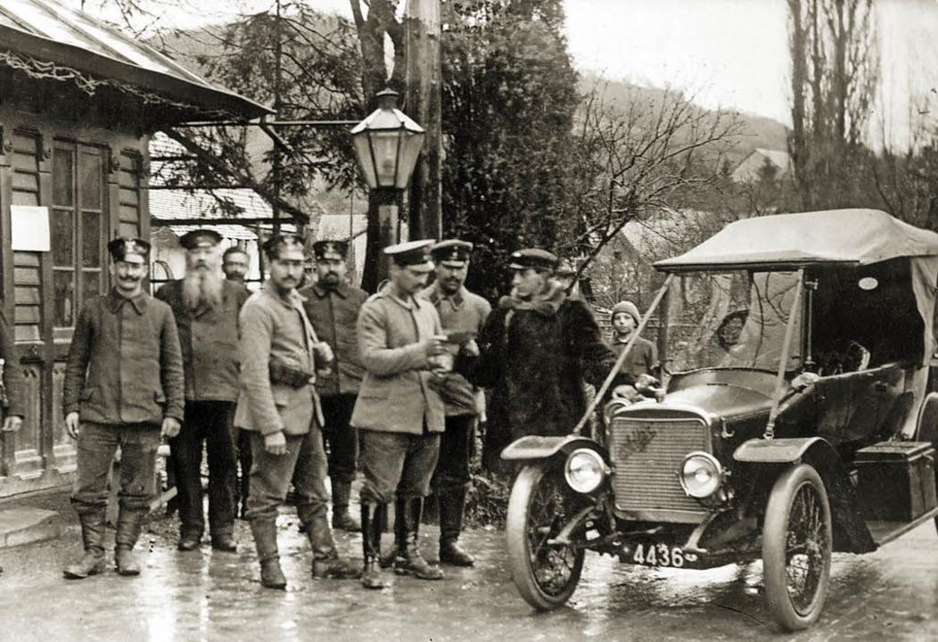 Grenzkontrolle um 1915     Foto: Dreiländermuseum