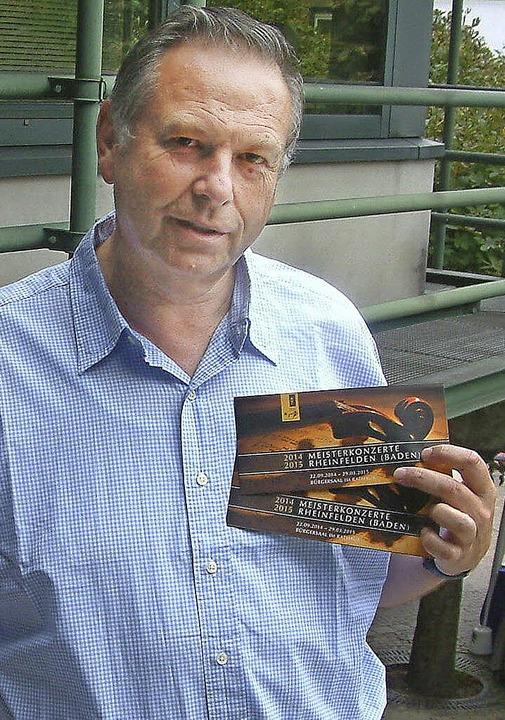 Georg Mais von der Südwestdeutschen Mo... mit Charme im Bürgersaal etablieren.   | Foto: Roswitha Frey
