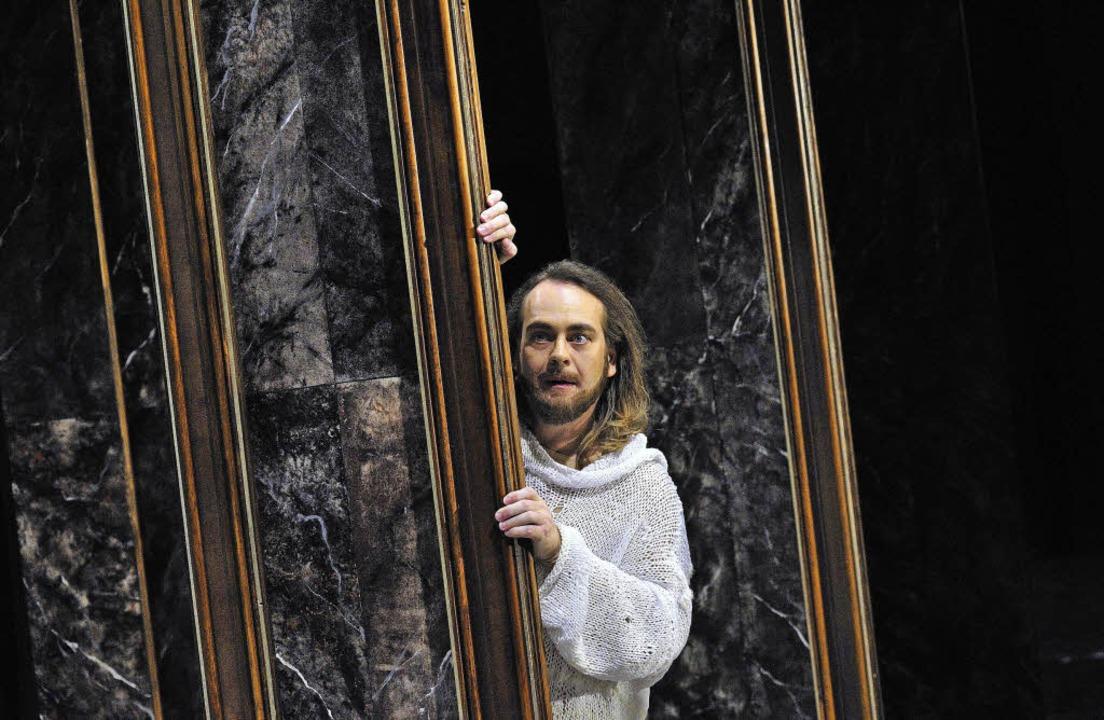 "Auch in England bejubelt: ""Parsi...n der Titelrolle hier Christian Voigt   | Foto: Maurice Korbel"