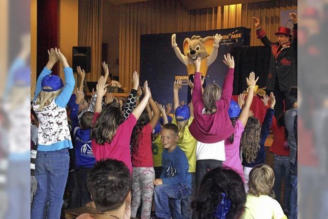 Theater, Bewegung und Lehrreiches