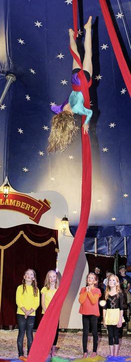 Dies Kunststück blieb dem zirkuseigenen Nachwuchs vorbehalten.  | Foto: Anja Bertsch