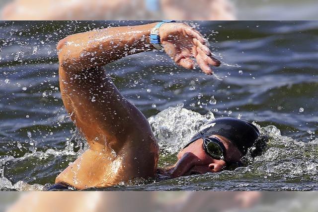 Freiwasserschwimmer hoch zufrieden