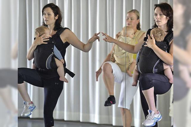 Beim Kanga nutzen Mütter ihre Kinder als Gewichte