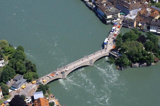 Straßentheaterfestival Brückensensationen in Rheinfelden: Schauspiel auf der Brücke