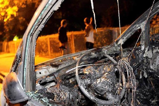 Autobrände in Rheinfelden: Polizei verstärkt ihre Streifen