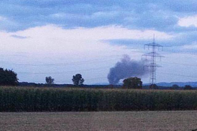Großbrand bei Entsorgungsbetrieb in Orschweier