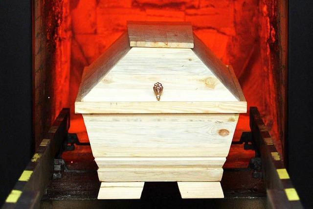 Mitarbeiter von Krematorien dürfen Zahngold nicht behalten