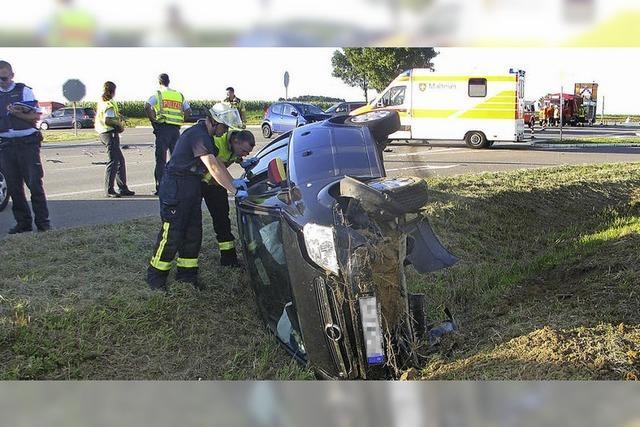 Feuerwehr rückt mit vier Fahrzeugen aus