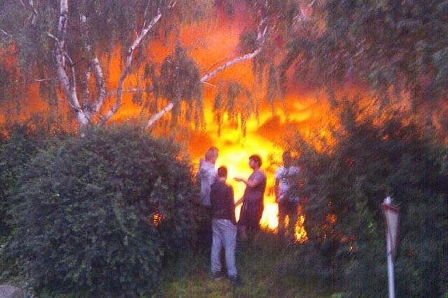 Brand auf Mülldeponie: Feuerwehr kämpfte mit Wasserversorgung