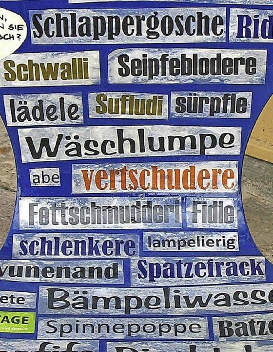 Alemannisch zum Nachlesen, hier bei den Mundarttagen in Bad Bellingen.     Foto: Jutta Schütz