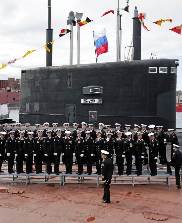 Stolz durch Stärke: Einweihung eines U-Boots in Sankt Petersburg     Foto: dpa
