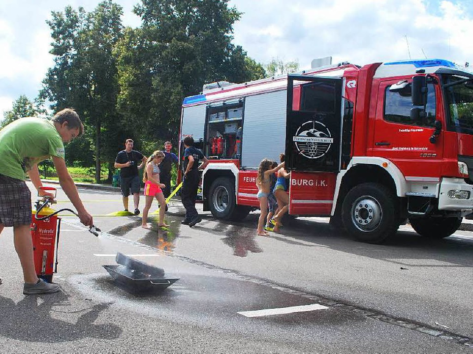 Wehrmänner der Abteilung Oberrotweil l...ielen rund um das Thema Feuerwehr ein.  | Foto: Benjamin Bohn