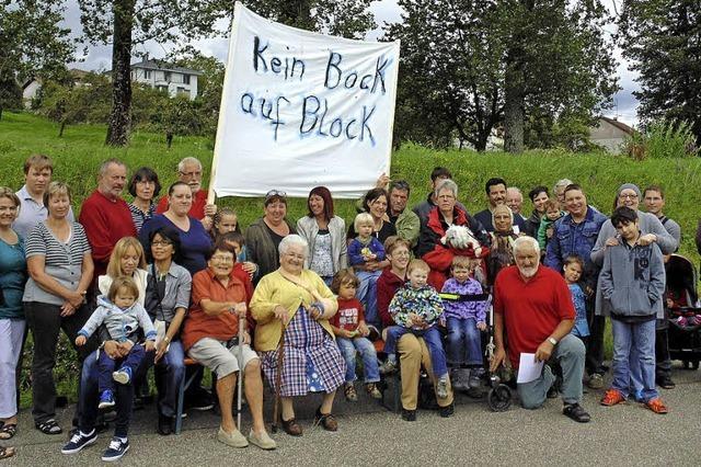 Blockade gegen Wohnblock