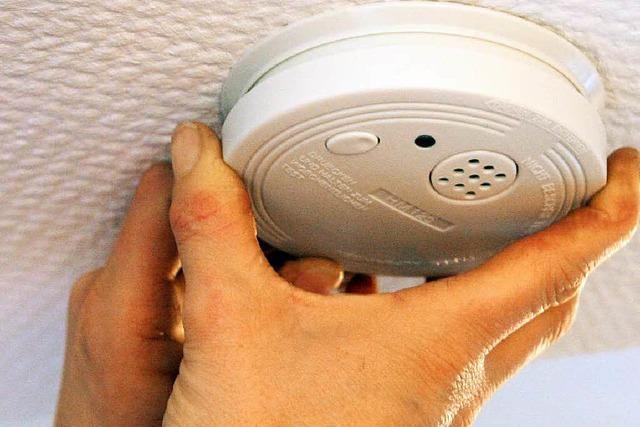 Brand in Treppenhaus – Rauchmelder verhindert Schlimmeres