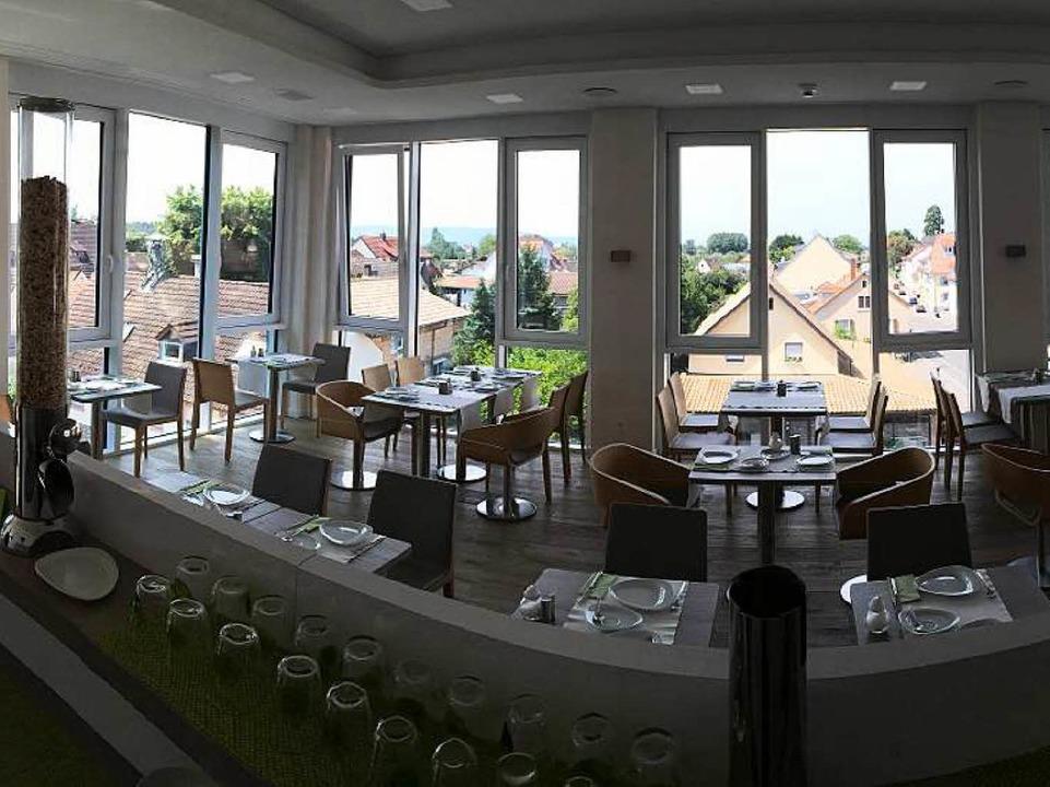 Der Frühstücksraum des Taome liegt im ...ablick auf die Emmendinger Unterstadt.  | Foto: Patrik Müller