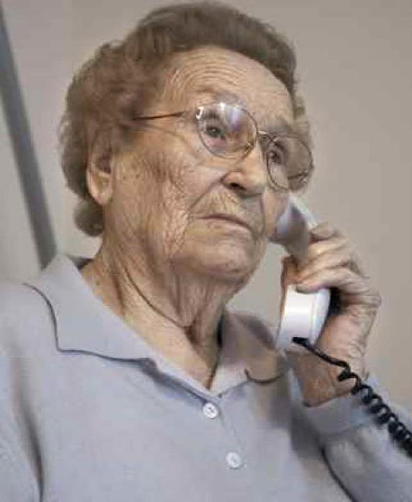 Viele  einsame  ältere Menschen fielen auf die Gewinnversprechen herein.  | Foto: fotolia.com/Oliver J. Graf