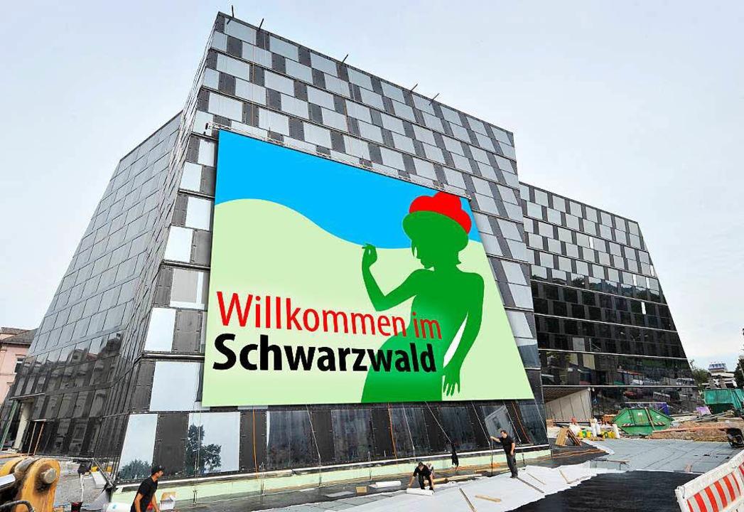 Freiburg zeigt sich gerne von seiner t...nnensegel an der neuen Freiburger UB?   | Foto: Bamberger/Oettlin