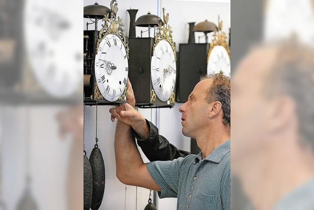 Antikuhrenbörse in Furtwangen: Die Zeit steht nicht still