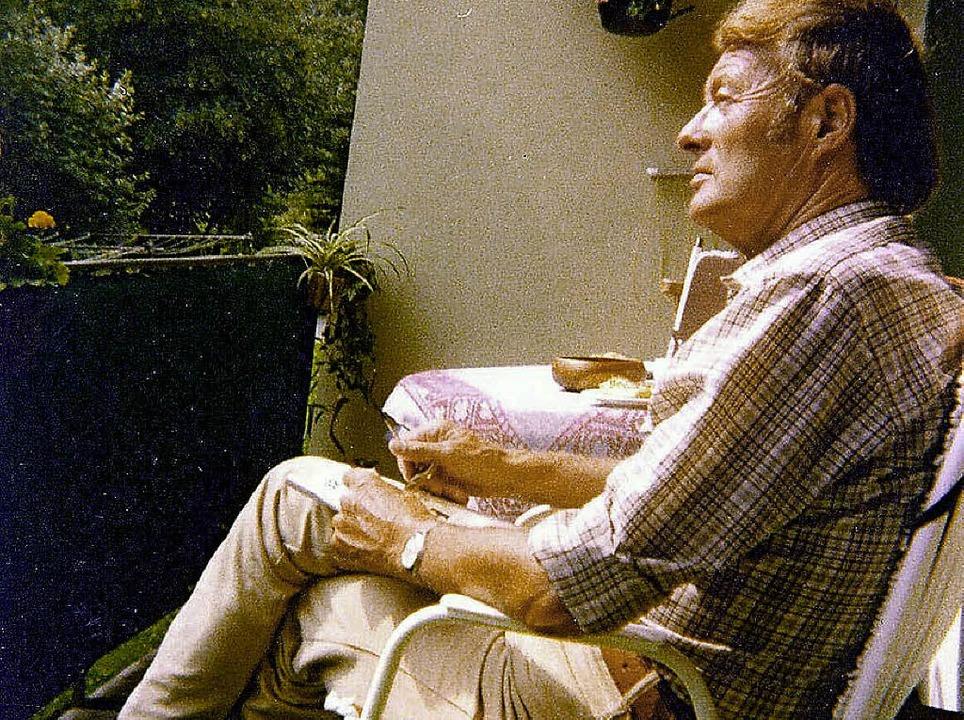 Der St.Blasier Komponist Gerbert Mutte...hren auf seinem Balkon in St. Blasien.  | Foto: Margrit Matyscak