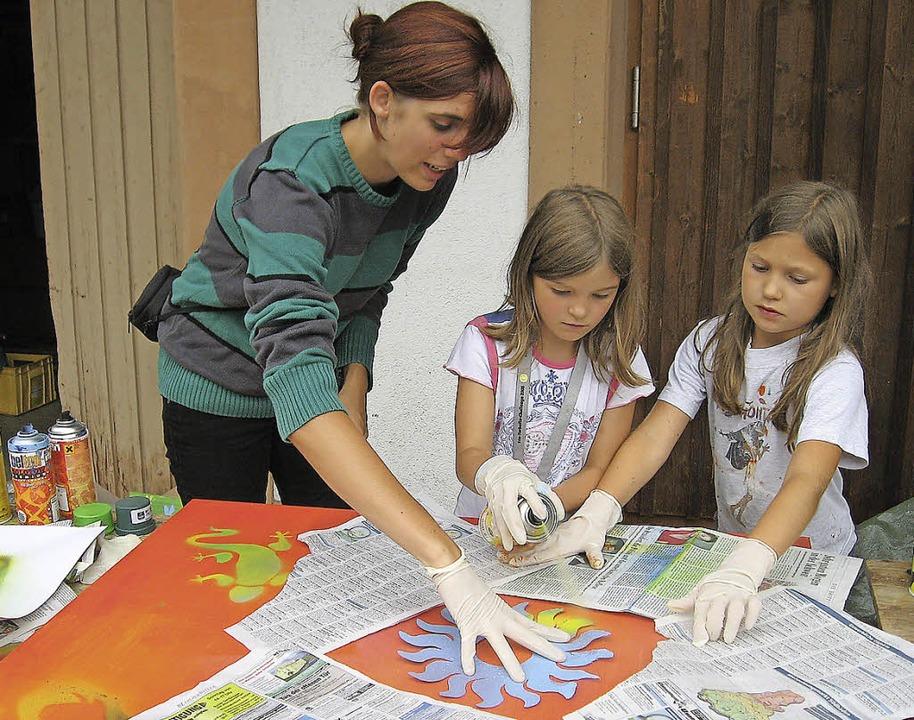 Kein öder Sommer seit 30 Jahren: Kunst-Aktion des Spieldorfs im Jahr 2009  | Foto: Moritz Lehmann