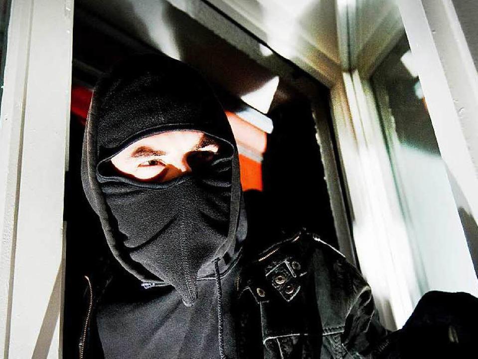 Ungebetener Besuch: Die Polizei hat Dutzende von Einbrüchen registriert.  | Foto: dpa