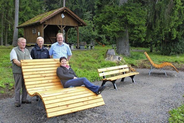 Waldsofas für müde Wanderer
