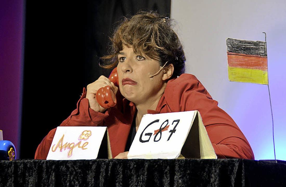 Eva Eiselt – souverän auch als Angie im Kanzleramt   | Foto: Sigrid Umiger