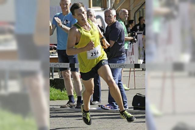 Simon Dörflinger glückt ein Start-Ziel-Sieg
