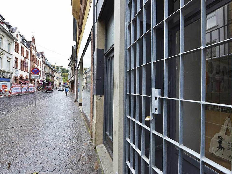 Gitter gegen Wildpinkler: Hauseingang in der Gerberau   | Foto: Fotos: Michael Bamberger