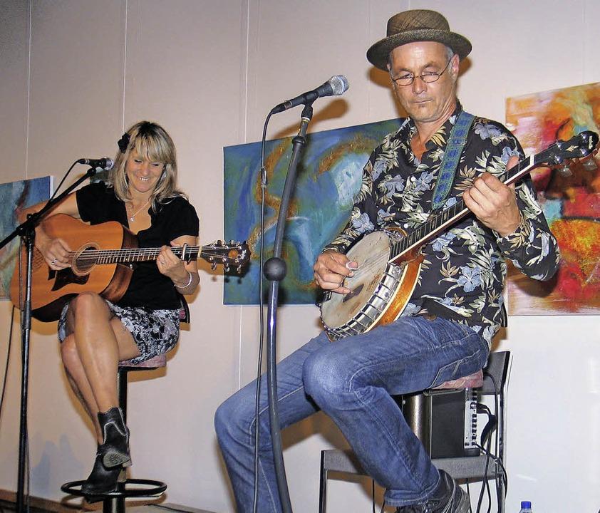 Bella Nugent und Andreas Schaps in Endingen  | Foto: Helmut Hassler
