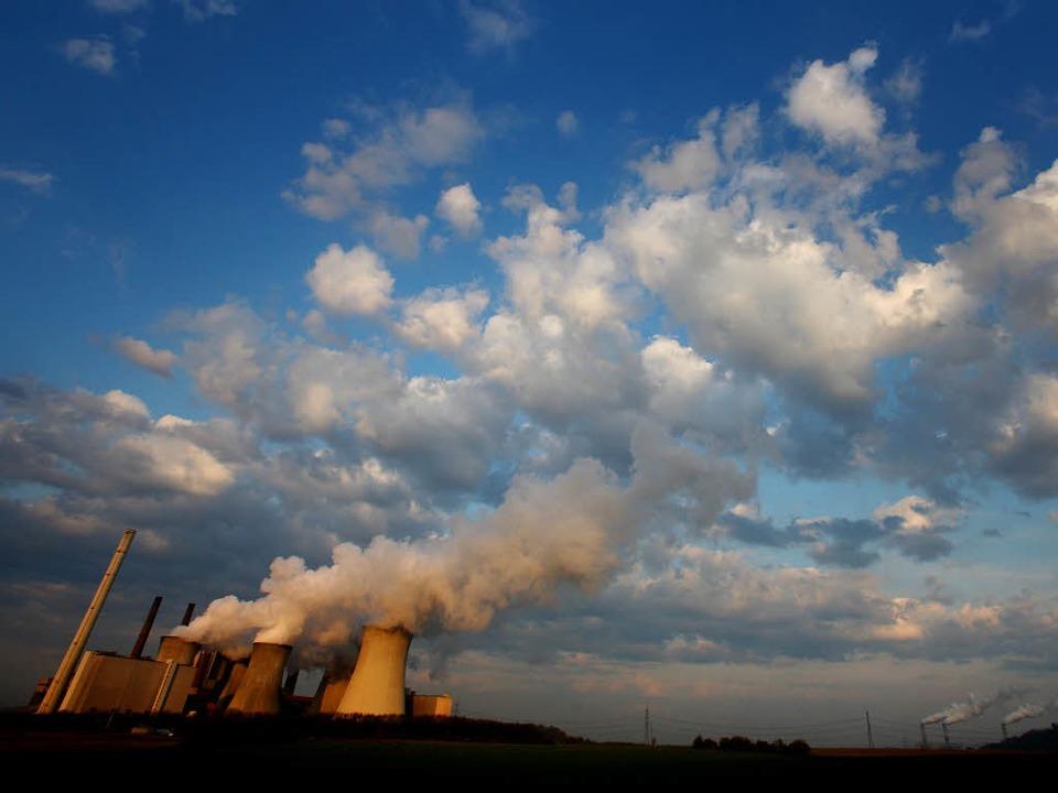 Ein Braunkohlekraftwerk    Foto: Verwendung weltweit, usage worldwide