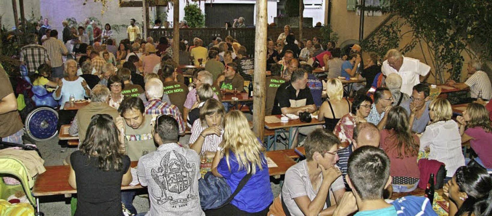 Beim Gottenheimer Hahleraifest herrsch...auben und Höfen ausgelassene Stimmung.  | Foto: Veranstalter