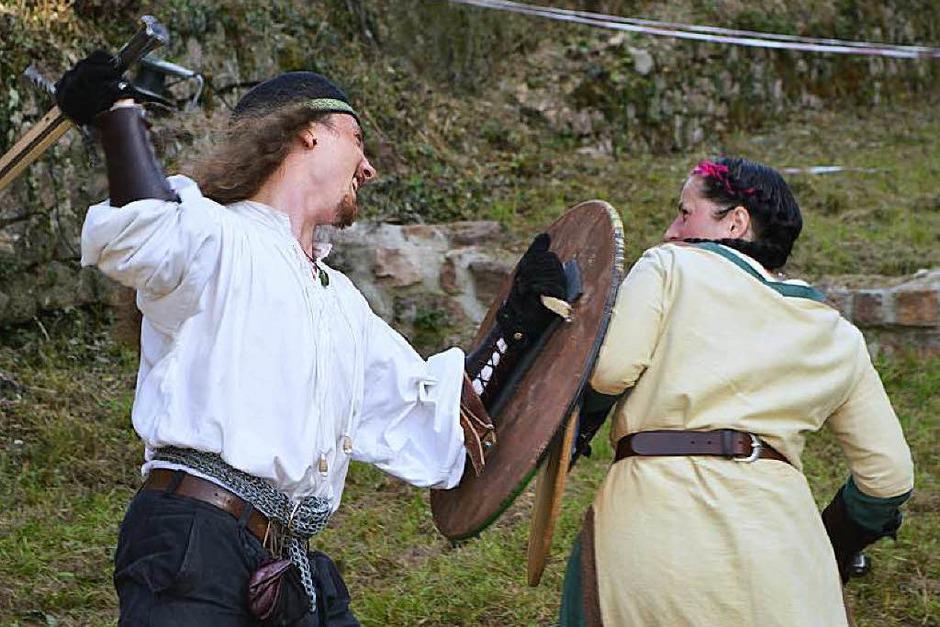 Lautes Schwertgeklirr, leiser Minnesang und dröhnende Schmiedehämmer: Impressionen vom Hochburgfest <?ZP?> (Foto: Sebastian Heilemann)