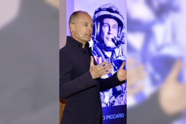 Der Flugpionier Bertrand Piccard stellt sein Solar-Impulse-Projekt vor