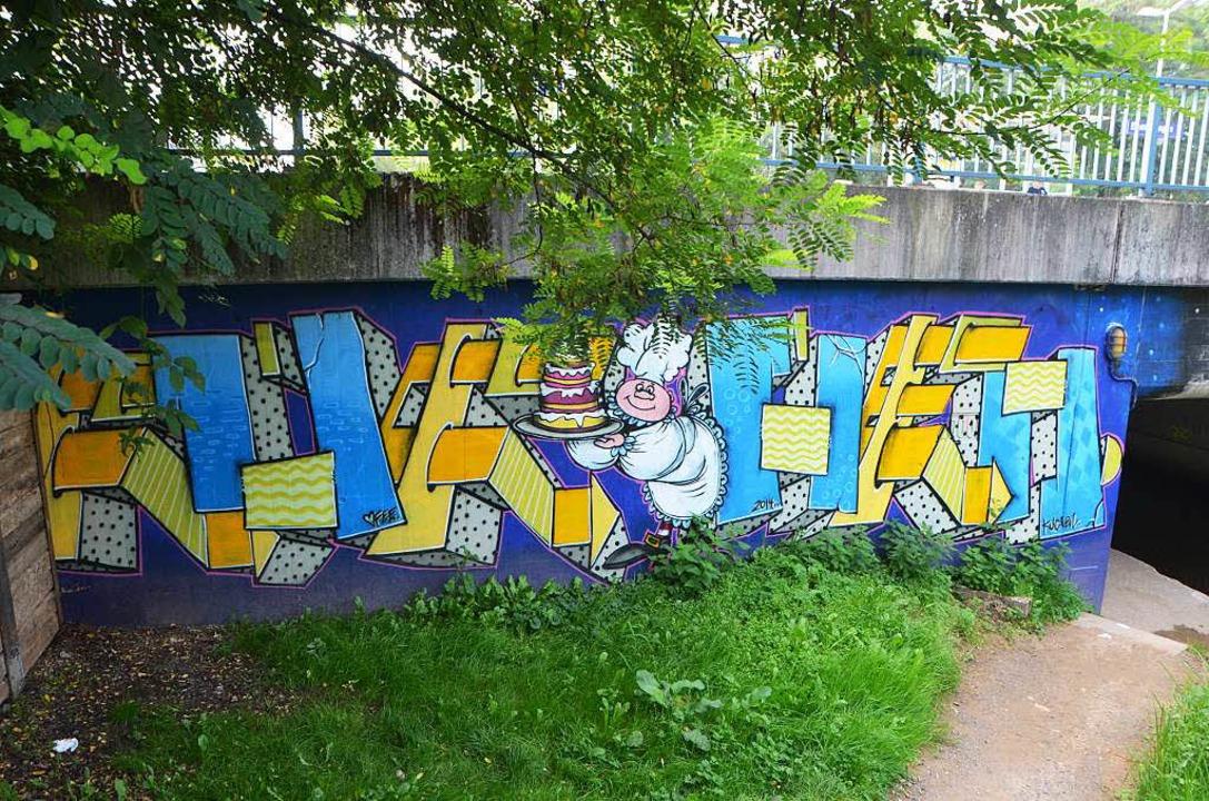 Aktivitäten zum Künstlermarkt: Was Gra...r Bahnunterführung am Parkplatz sehen.  | Foto: Sylvia-Karina  Jahn