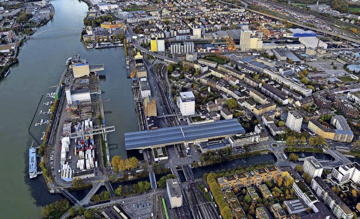 Hier wird gefeiert: Blick von oben auf das Basler Hafen-Areal  | Foto: Vision on wings Manfred Richter