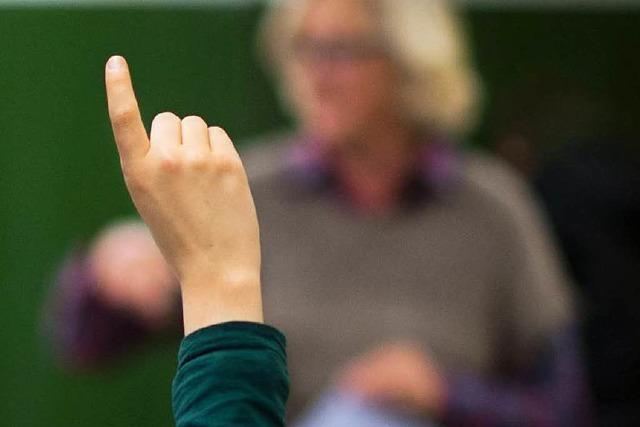 GEW verlangt 5900 neue Lehrerstellen