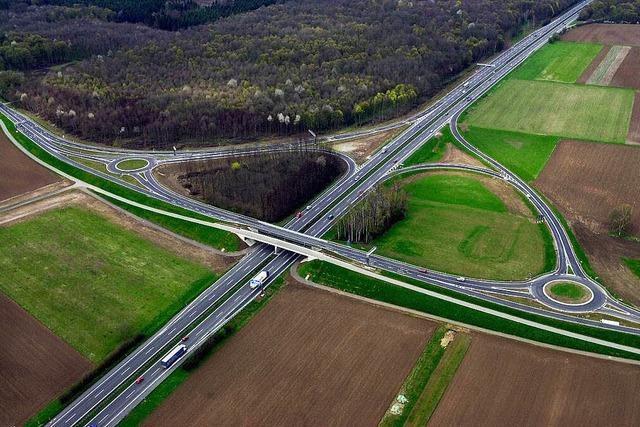 Brüchiger Frieden: Kreis und Land einigen sich teilweise über die Europaparkzufahrt