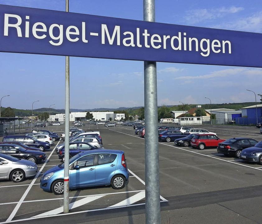Erheblich mehr Parkplätze bietet der e...albahn am Bahnhof Riegel-Malterdingen.  | Foto: Martin Wendel