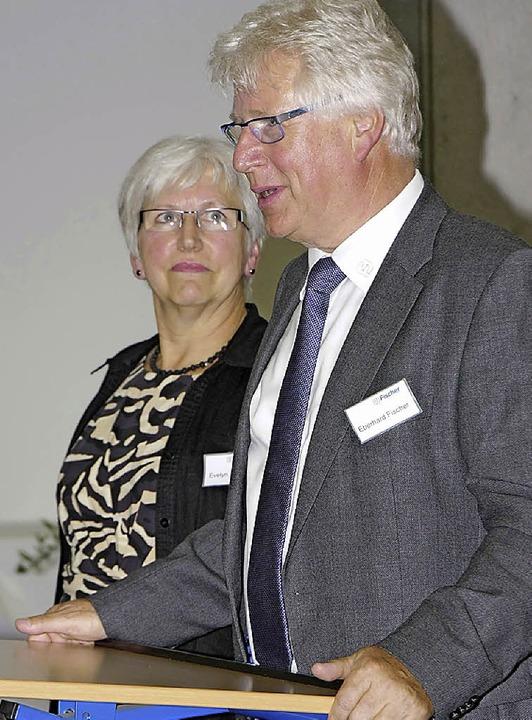 Evelyn und Eberhard Fischer freuten si...s neuen Firmensitzes feiern zu können.  | Foto: Martin Wendel