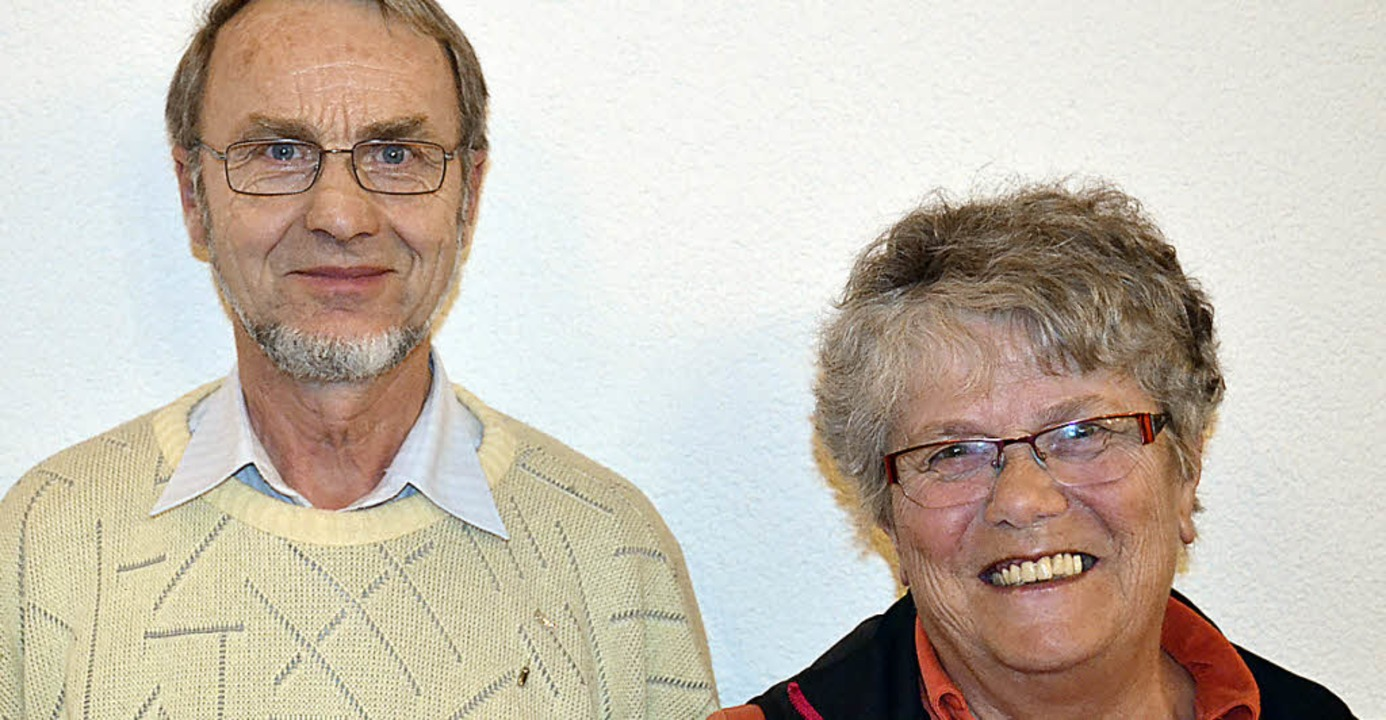 Paul Stegerer und Gisela Schmidt wurden für ihre Verdienste  ausgezeichnet.  | Foto: Liane Schilling