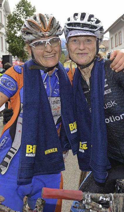 Gemeinsam Sieger in Furtwangen: Almut Grieb  (links) und Jana Zieschank  | Foto: seeger