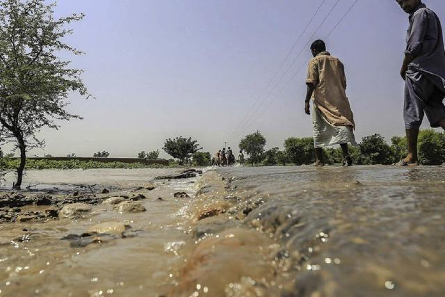 Fluten in Indien und Pakistan haben 500 Menschenleben gefordert