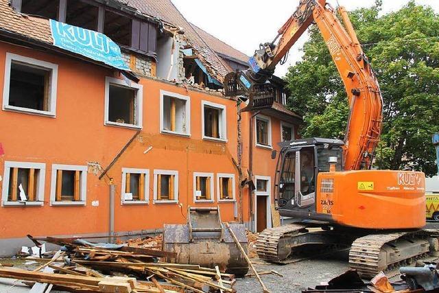 Warum der Rathaus-Abriss mit Hoffnung verbunden ist