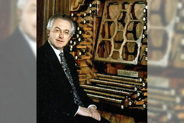 Der Organist Gerhard Weinberger spielt Franck und Genzmer im Münster in Freiburg