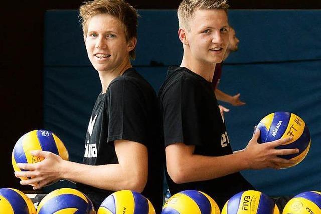 Volleyballer schlagen bei Länderspielen auf