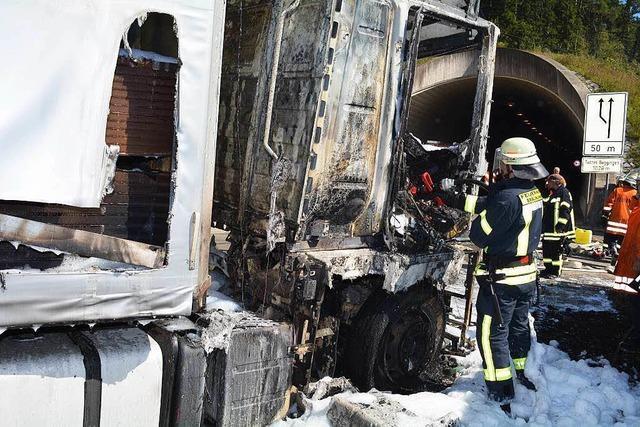 Sattelzug in Flammen